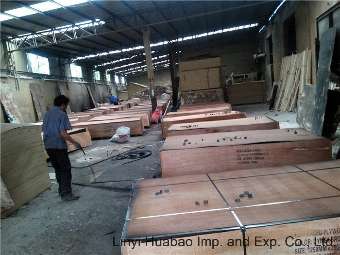 China Plywood Brown Film Poplar Core for Constructions