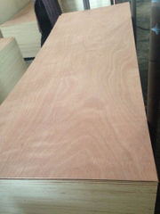 2.7mm Door Skin Plywood okoume Face Poplar Core