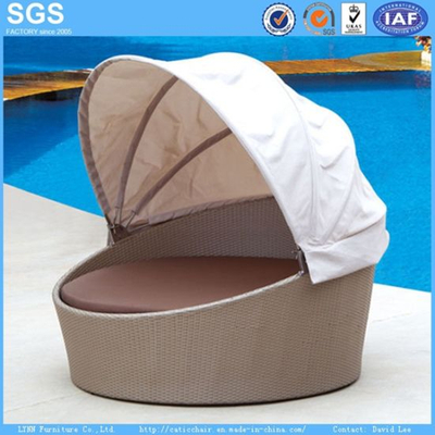 Resort Hotel Outdoor Round Sofa Bed Garden Furniture Rattan Daybed
