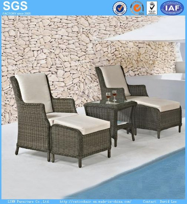 Outdoor Garden Furniture Balcony Rattan Sofa Chair with Footrest