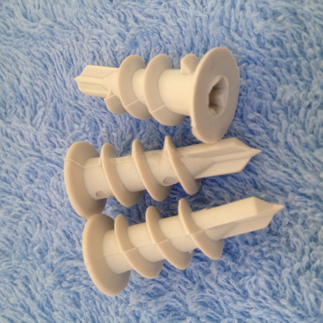 Plastic screw anchor for drywall