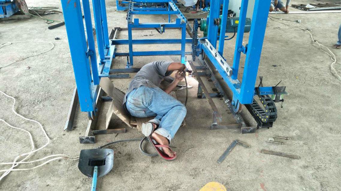 Machine du bloc QTY4-15 à Philippines (3)