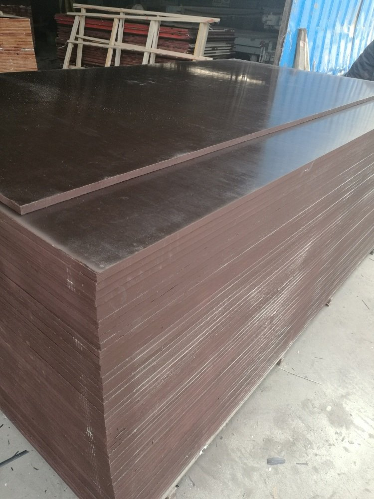 Black/Brown Phenolic Glue Poplar Core Marine Plywood/Shuttering Plywood/Film Faced Plywood