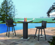 Garden Rattan/Wicker Bar Furniture Table and Stool Set