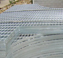 Hot Dipped Galvanized Irregular Steel Grating