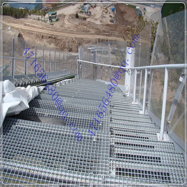 polycarbonate solid sheet for mine protection