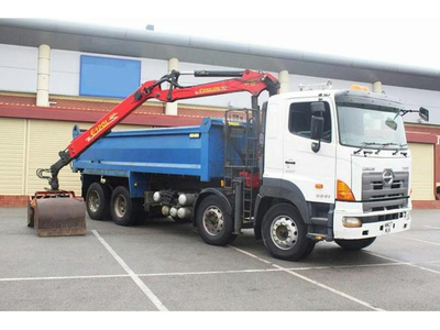 HINO 700 FY Tipper  truck with loader crane