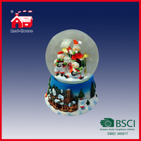 Hand Painted Polyresin Christmas Snow Globe 100mm Water Globe 3D House and Tree Beautiful Scene Basement