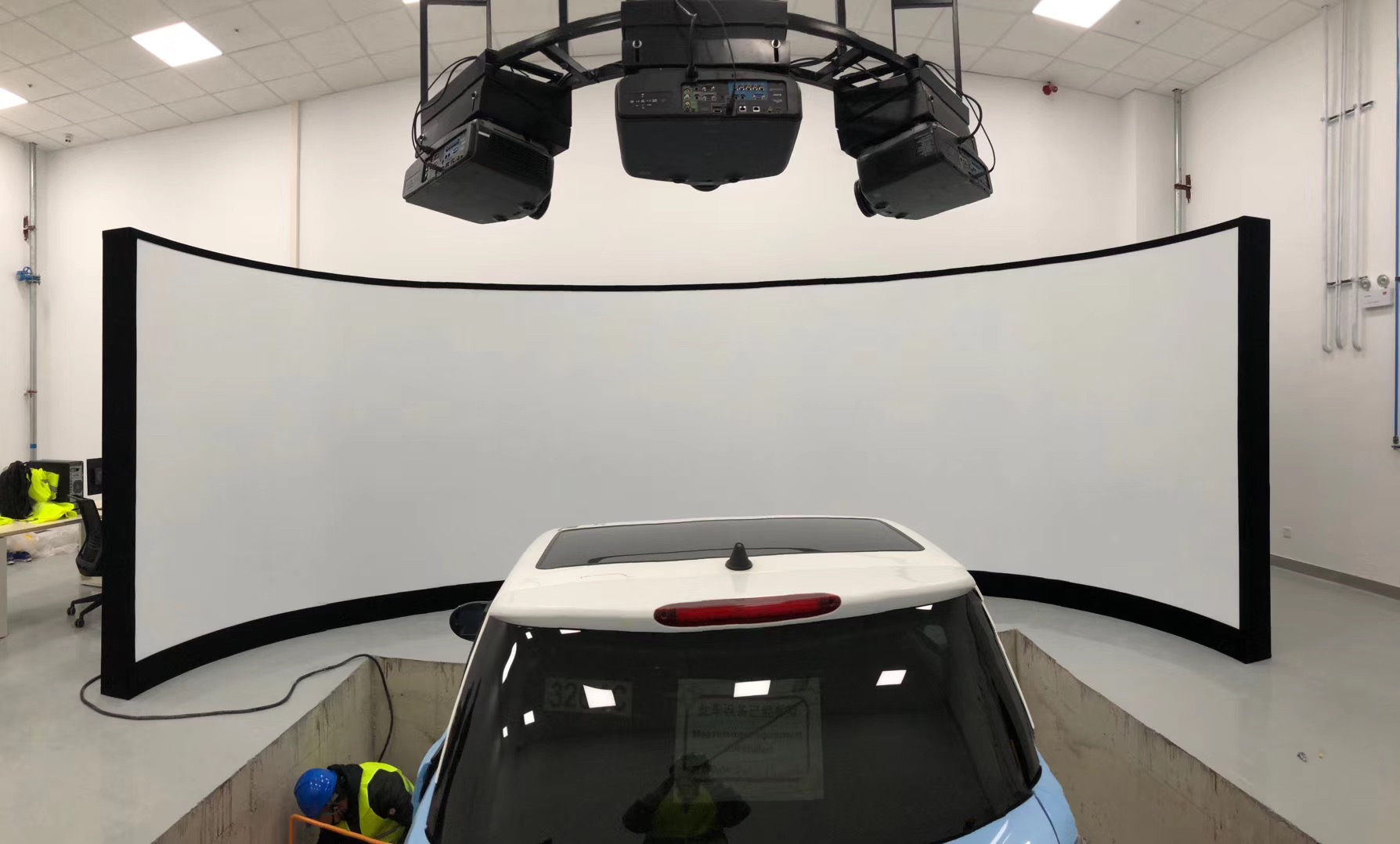 180° Customized Simulator Curved Projection Screen with 150'' 180'' 200'' size (16:9)