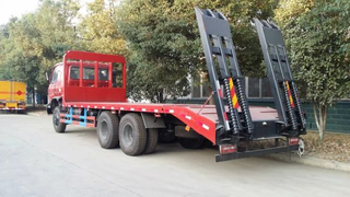 25t Flatbed Truck Carring Excavators for Sale