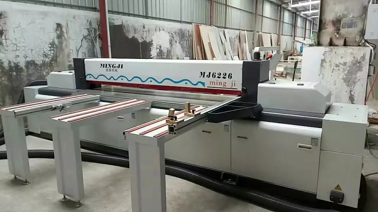 Foshan Mingji Woodworking beam saw machine has finished installation in customer's factory