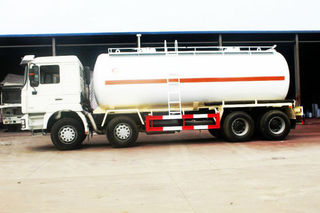 Shacman 8X4 Cement Tanker for Sale