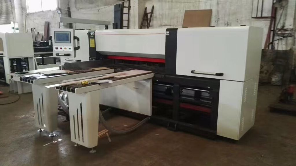 Customized cnc panel saw machine MJ-150A for cutting metal sheet
