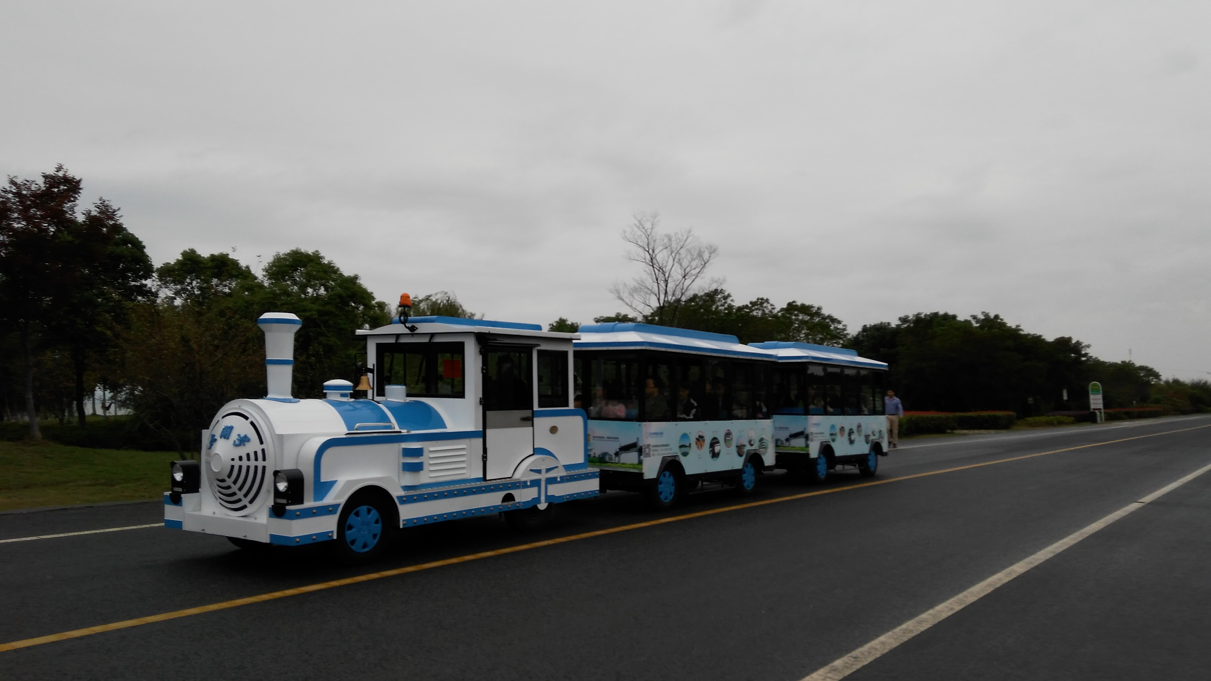 常州淹城野生动物园,济南野生动物园等景区合作成立观光小火车队伍