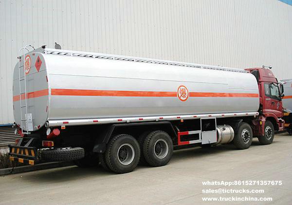 Véhicule de transport de pétrole brut de Foton 8x4Foton 30000L