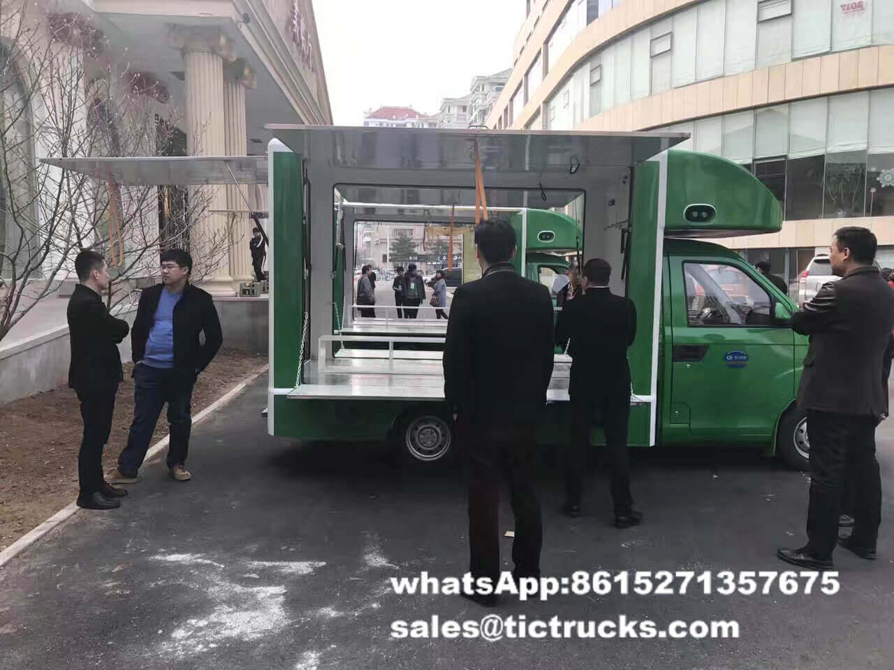 food van -035-food-cooking-Vehicle.jpg
