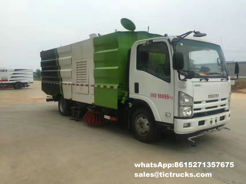 Route sweeper-002-water-cleaning_1.jpg d'ISUZU