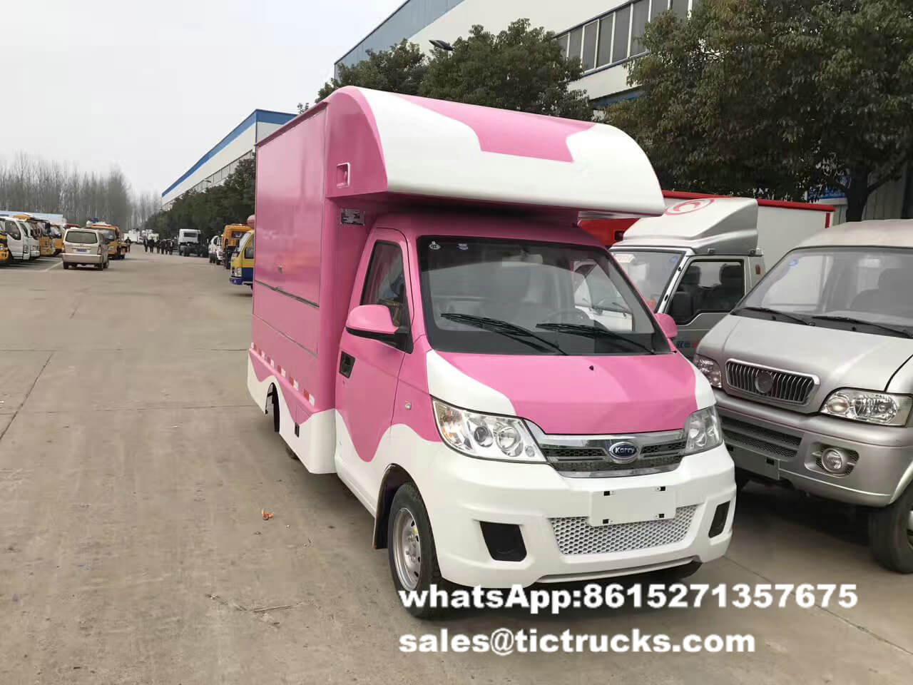 food van -062-food-cooking-Vehicle.jpg