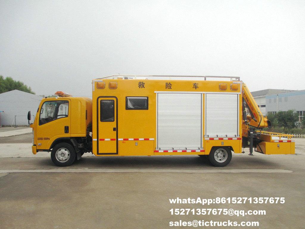 Véhicule de sauvetage avec la grue -25-ISUZU-700-truck_1.jpg