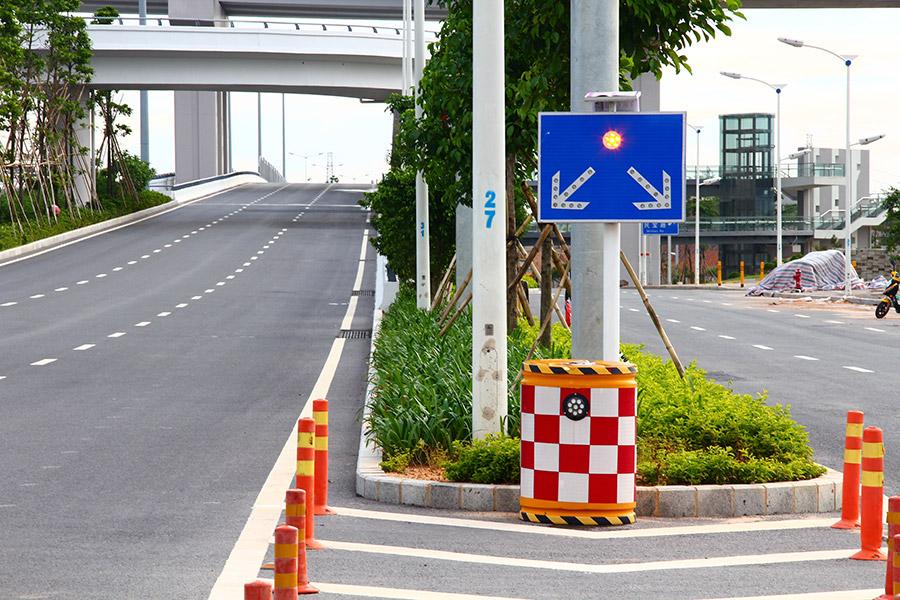 solar-road-stud-in-China.jpg