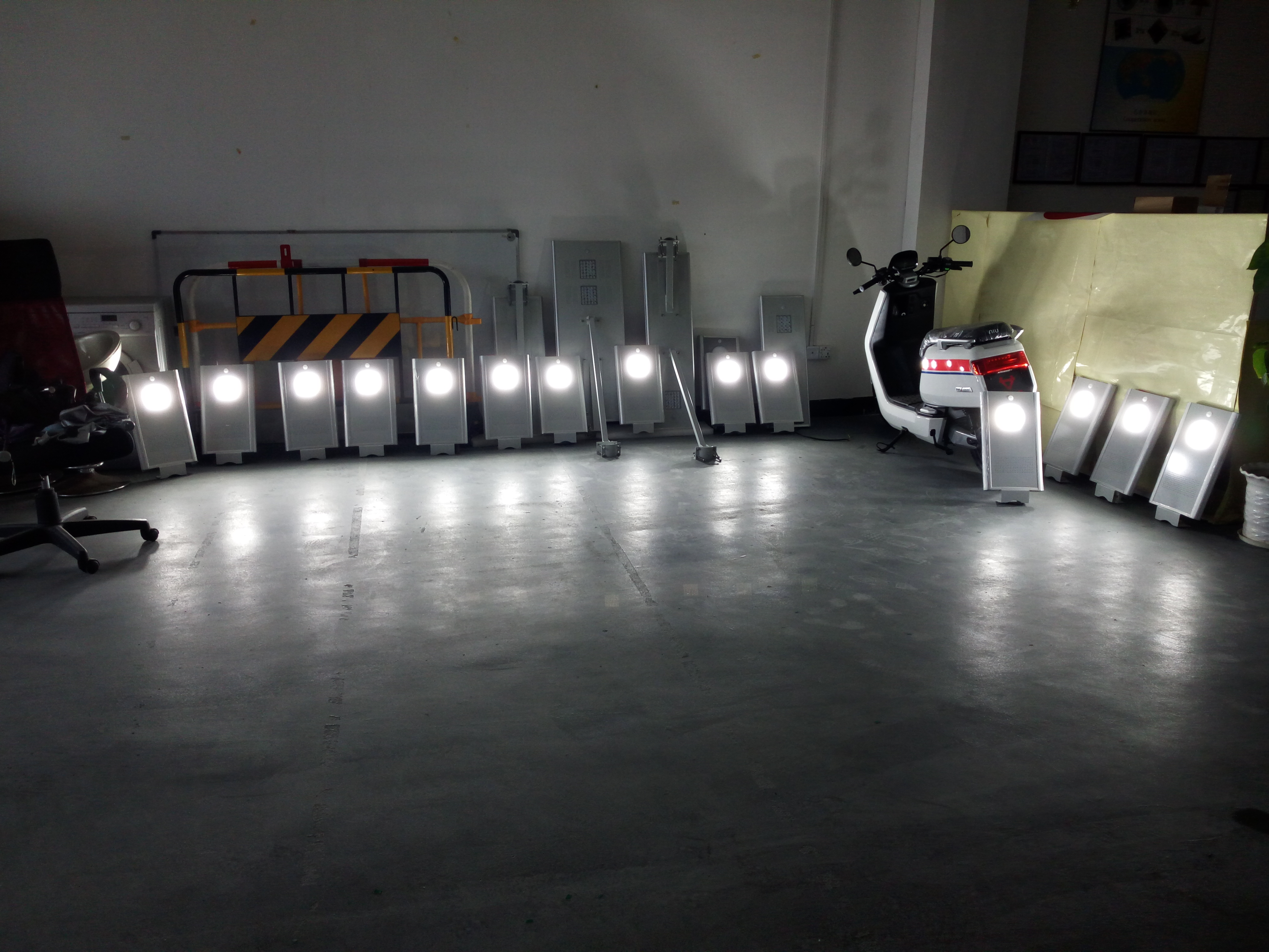 All In One Solar Street Light In Production Solar Road