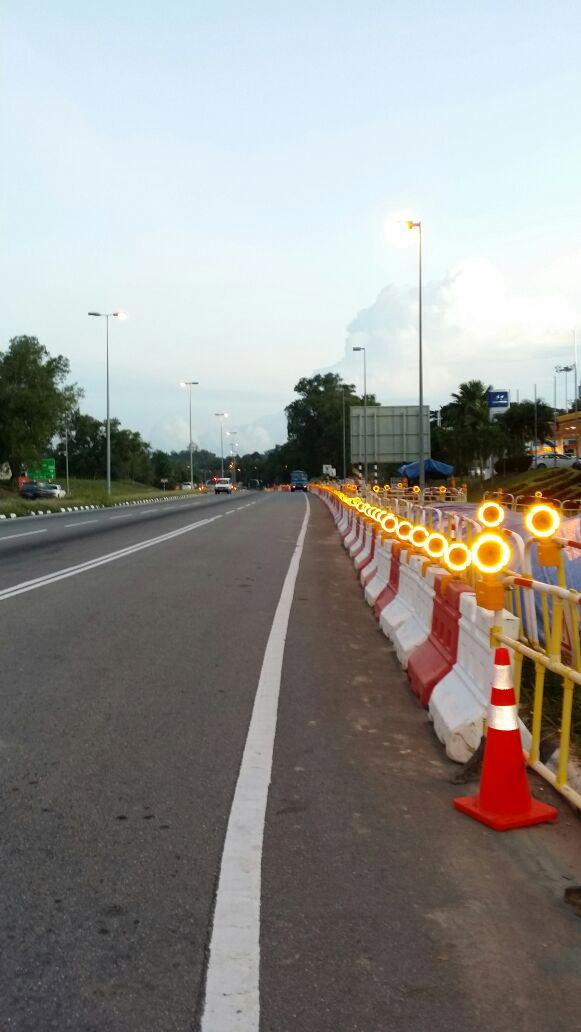 barricade-light-in-Brunei.jpg