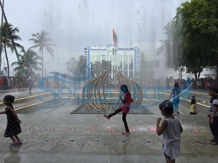maldives music fountain a4