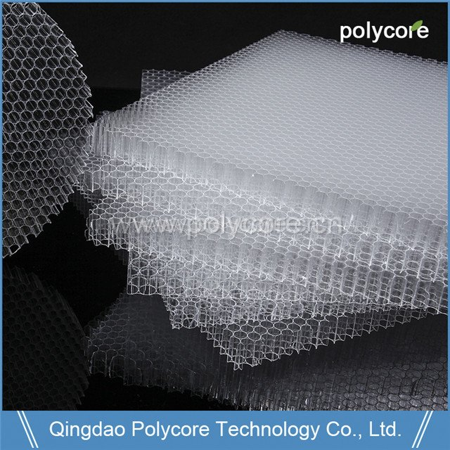 PC honeycomb sheet as saving energy material in building