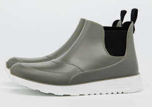 Stylish men and women ankle rain boots