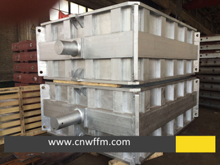 Molding box for green sand process or resin sand process