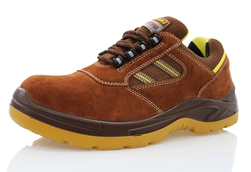 Low ankle sport type safety shoes for men