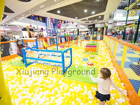 Ball Pit Kids Indoor Playground Case in Russia