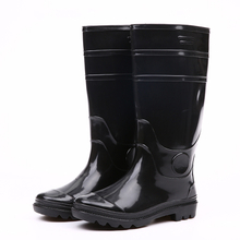 Waterproof and chemical resistanat black shiny rain boots