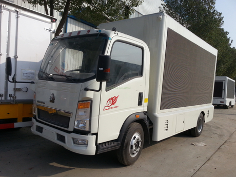 SINOTRUK 4x2 Mobile Advertising Screen Digital Truck