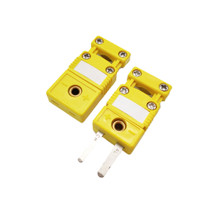 Most Pupular Miniature Size Flat Pin Thermocouple Connector With Plastic Cable Clamp