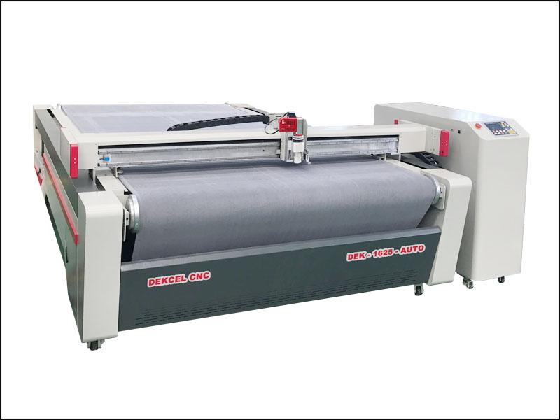 Auto Feeding Conveyor Fabric Oscillating knife Cutter Plotter Machine