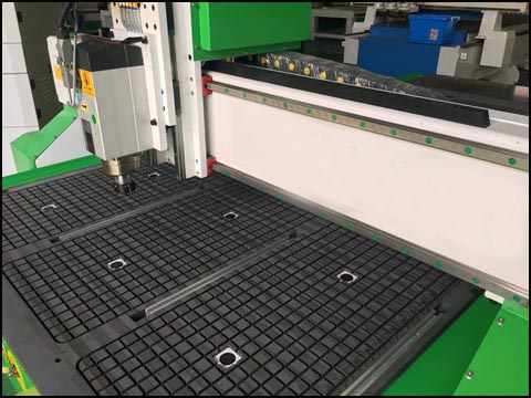 The Introduction Of Vacuum Table And T Slot Table Of Wood