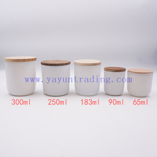 Wholesale 65ml 90ml 180ml 250ml 300ml frosted white candle jars and wooden lids