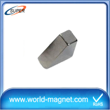 China N50 Sintered Nicuni Neodymium Block Magnet