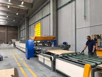 Wuxi Shenxi Honeycomb installed second honeycomb core machine and honeycomb panel machine in Italy