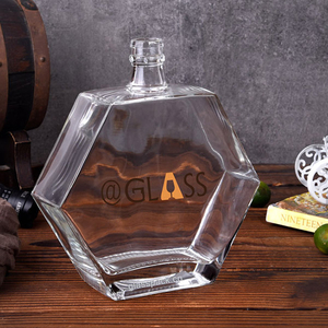 Hexagon Shape Glass Bottle with Guala Cap Finish