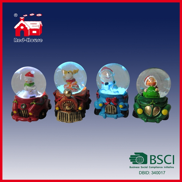 High Quality Resin Customized Snow Globe Handmade Water Snow Globe Car Train Base